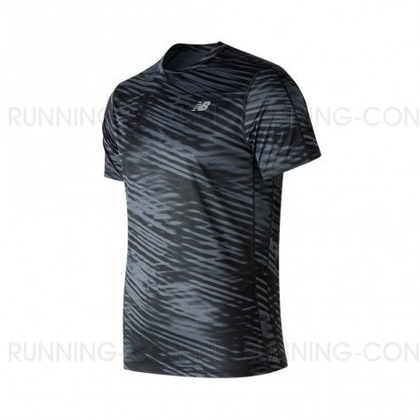 NEW BALANCE Tee-Shirt manches courtes PRINTED ACCELERATE Homme   Black and White   Collection Printemps-Été SS2019
